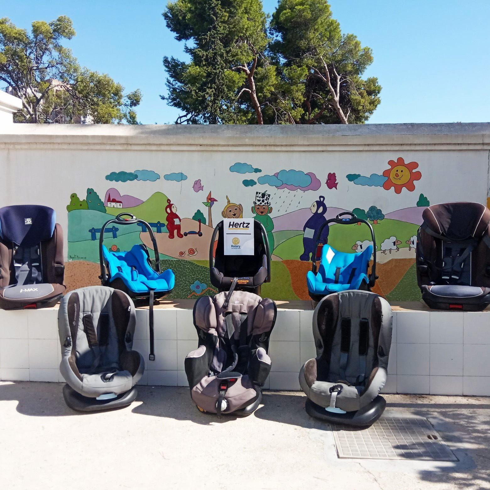 Hertz y Rotary Club Alicante Puerto entregan 8 sillas de vehículos para niños y bebés a la Casa de Acogida Margarita Nasseau